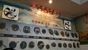 Rumah Makan dan Cafe 999 di Pantai Losari Makassar