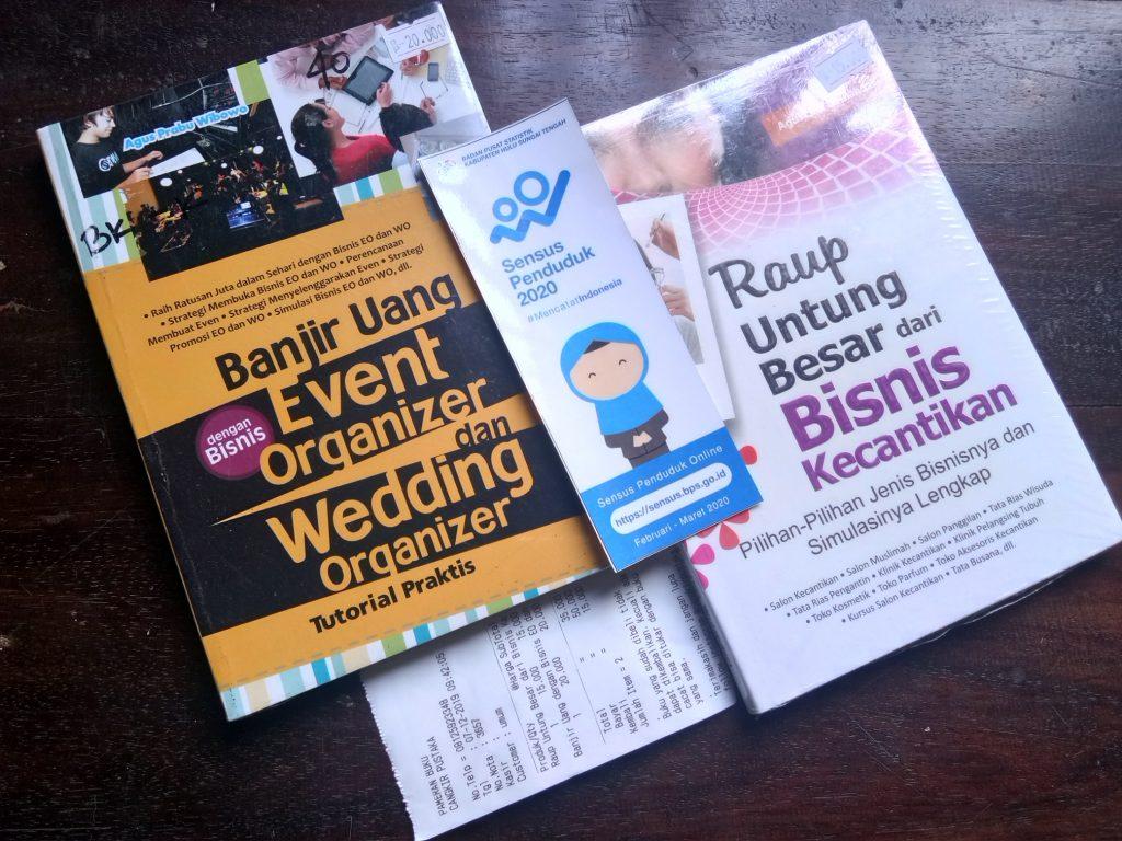 Buku Banjir Uang dengan Bisnis Event Organizer dan Wedding Organizer dan Buku Raup Untung Besar dari Bisnis Kecantikan