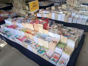 Buku Bertemakan Umum tersedia di Bazar Buku Murah Barabai